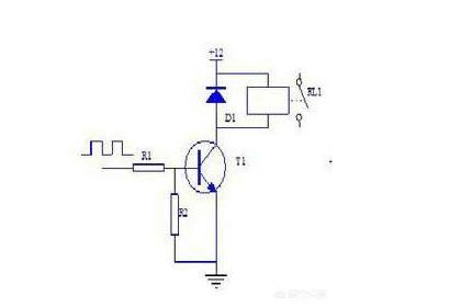 例如下图,由于单片机输出电流有限,必须经过三极管开关来实现对